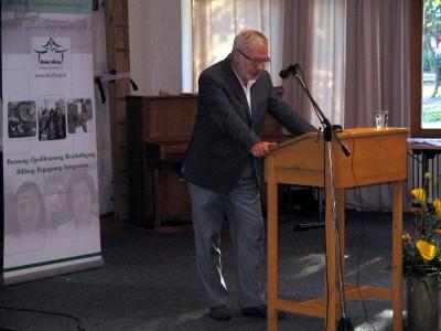 Dr. Wolfgang Bautz bei seinem Vortrag