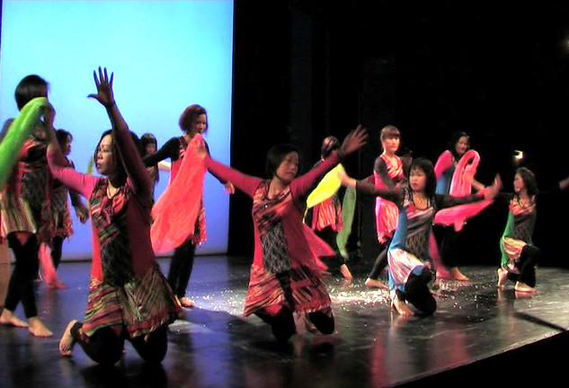 Kultur musikalisch erleben: Interkultureller Workshop mit Musik und Tanz  (18.03.-24.06.2014)