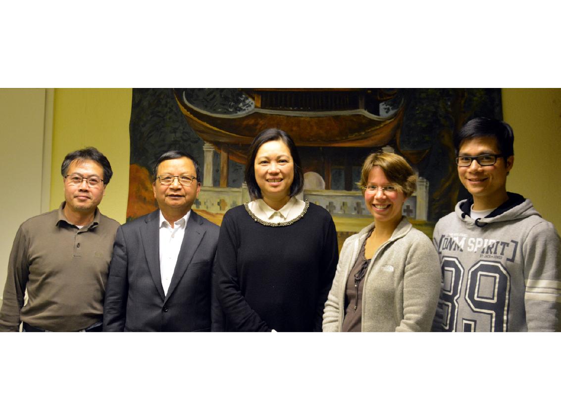Der neue Vorstand: Nguyen Van Hoa, Nguyen Duy Long, Doan Hoang Mai, Susanne Düskau und Tran Quang Tien (v.l.n.r.)