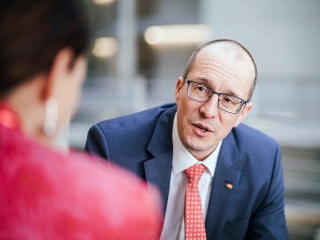 Bundestagsabgeordneter Peter Stein zu Besuch bei Diên Hông e.V.