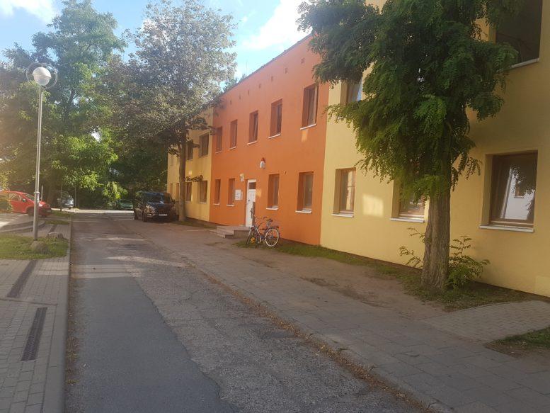 Seitenstraße mit Zugang zu den Büros von Dien Hong e.V.